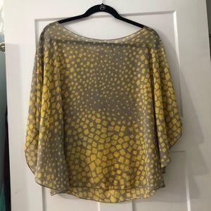 Tops - Flowy blouse
